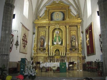 El retablo de la iglesia...